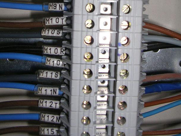 elettrici ausiliari-fluidotecnica-grandi-impanti tecnologici condizionamento idraulica antincendio pannelli radianti gas domotica elettrici-matera-basilicata