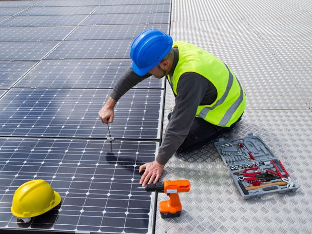 fotovoltaico-1-fluidotecnica-grandi-impanti-tecnologici-condizionamento-idraulica-antincendio-pannelli-radianti-gas-domotica-elettrici-matera-basilicata